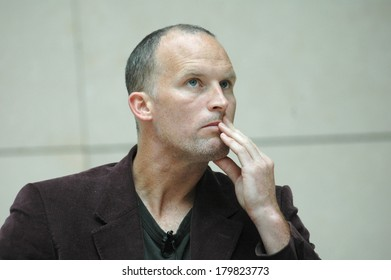 OCTOBER 28, 2006 - BERLIN: the US american artist Matthew Barney at a discussion at the German Guggenheim, Berlin-Mitte.
