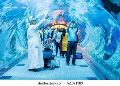 October 31, 2017 - Dubai UAE: Altaltis Aquarium and Underwater Zoo of the Mall of Emirates. The Altantis is an aquarium with a tunnel that draws the tub, the aquarium is located in the Mall of Emirate
