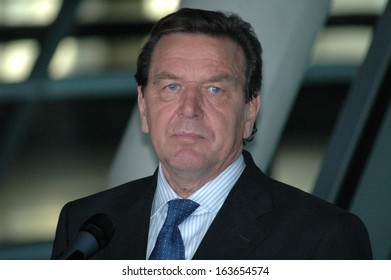 OCTOBER 5, 2005 - BERLIN: Chancellor Gerhard Schroeder during a press conference on the coalition talks with the Christian Democrats in the Reichstag in Berlin.
