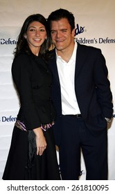 """October 6, 2005 - Kevin Weisman and Jodi Weisman at the Children's Defense Fund's 15th Annual Los Angeles """"Beat The Odds"""" Awards at the Beverly Hills Hotel Beverly Hills, California USA."""