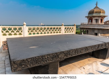 October12,2019.The Throne of Jahangir/Takht-i-Jahangir was built by Mughal emperor Jahangir is located at the Red Fort in Agra,India.The throne was made of black onyx,imported by Jahangir from Belgium