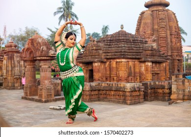 Odissi is a major ancient Indian dance form perform on indian dance festival.
