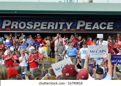 O'FALLON - AUGUST 31: Former fellow prisoner of war in Vietnam addresses crowd before Senator McCain and Saran Palin make their appearance at a rally in O'Fallon near St. Louis, MO on August 31, 2008