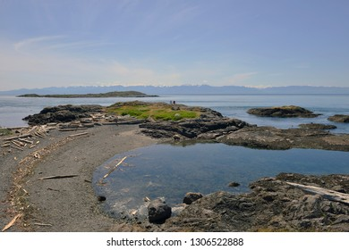 Off Beach in Victoria, Vancouver Island, British Columbia, Canada. 5th May 2016.    Kitty Islet is a quiet though popular spot for kayaking, sunbathing and tourists wishing to relax.