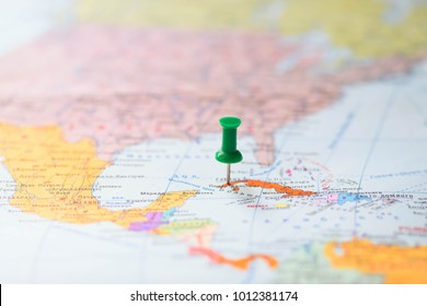 Office button pointing to the destination on the map (Russian language). Havana, Cuba