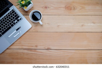 Office Table Top View Images, Stock Photos & Vectors