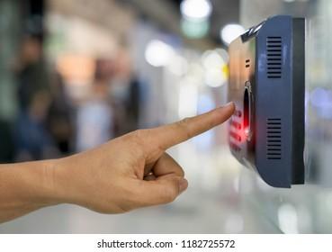 officer scan finger print for enter security system
