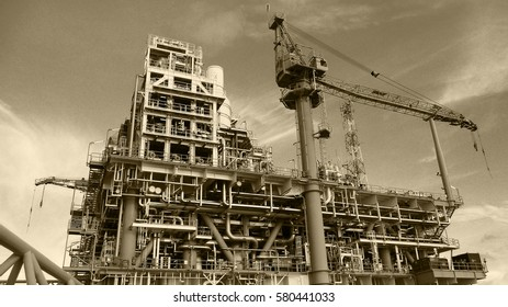 Offshore construction platform for production oil and gas,Heavy tower crane,Tower hot oil system for preheat oil and gas in production process.