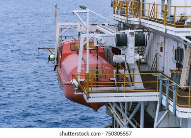 Offshore life boat