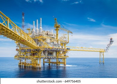 Offshore oil and gas central processing platform received raw gas and crude oil then treat and sent to onshore refinery and petrochemical plant to exact hydrocarbon.