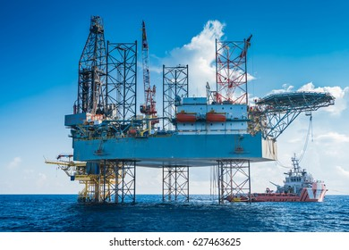 Offshore oil and gas drilling rig work at remote wellhead platform to completion oil and gas produce well by using drilling bit which made from carbide or diamond at head bit and drive by mud pressure