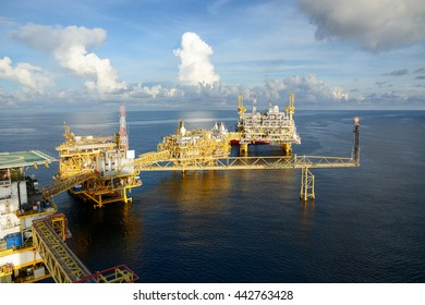Offshore Oil & Gas petroleum central process platform, Offshore natural construction plant, Petroleum industrial