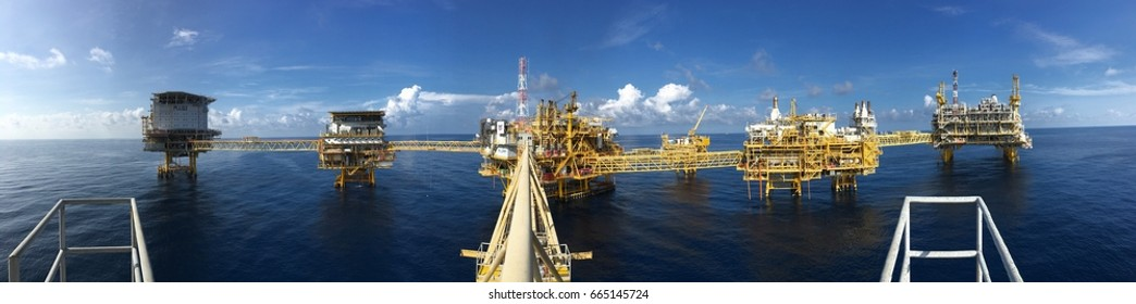 OFFSHORE OIL AND GAS THAILAND: 1 June 2017 Oil and Gas petroleum cetral operation process platform including living quarter LQ1 and LQ2