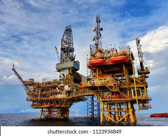 Drilling Rig Images, Stock Photos & Vectors | Shutterstock