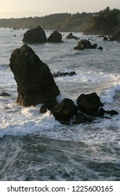 Offshore Rocks and California coastline, Tepona Point, Luffenholtz Beach County Park, California, USA