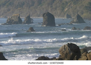 Offshore rocks and coastline, Tepona Point, Luffenholtz Beach County Park, California, USA