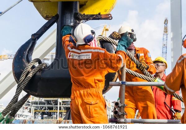 pripojiť offshore platformuReddit orgie Nemecko