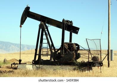 Oil derrick in Kern County #2