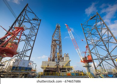 Oil and gas drilling rig work over remote wellhead platform to completion oil and gas produce well by using drilling bit which made from carbide or diamond at head bit and drive by mud pressure