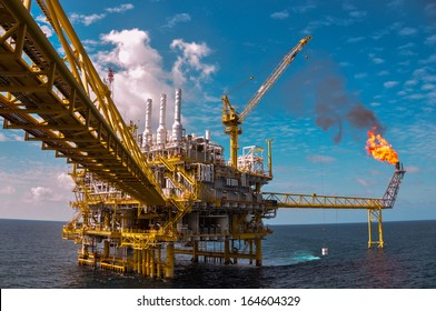 Oil and gas platform with gas burning, Power energy.