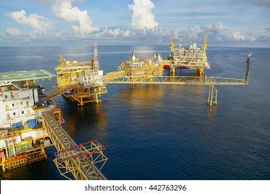 Oil & Gas platform central process, Offshore natural construction plant, Petroleum industrial