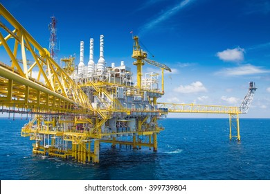 Oil and gas processing platform at the gulf of Thailand