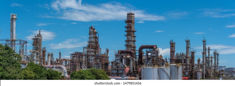 Oil and gas refinery industry, oil pipeline equipment to oil storage tanks are working with modern control systems