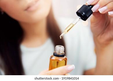 Ölhaarbehandlung für Frauen. Concept Friseur Spa Salon.