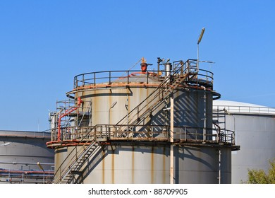 Oil Refinery (Heavy Industry Complex / Plant)