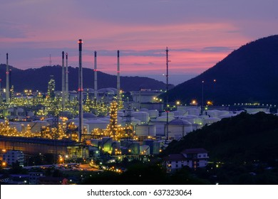 Oil refinery and petrochemical platforms at Twilight