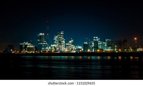 oil refinery, refinery plant, refinery factory at night