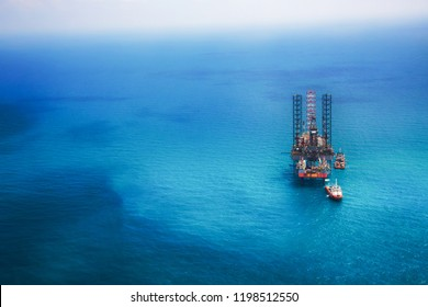 Oil rig in the gulf with copy space
