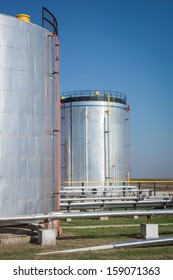 Oil storage and pipeline