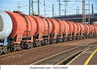Oil tanker railway carriages