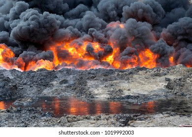 an oil well set on fire by ISIS to slow down the coalition's advance.Qayyarah (IQ) 2016/Nov/26