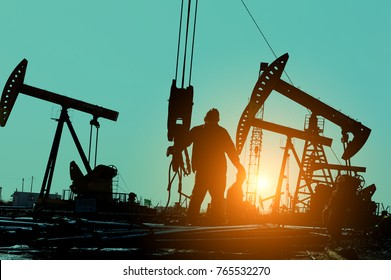 The oil workers at work