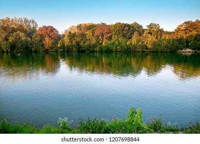 The Oise river in autumn