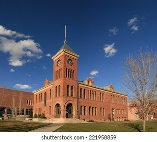 the old 1894 Flagstaff sandstone courthouse