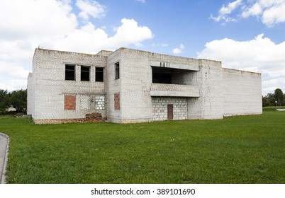 an old abandoned building, made of bricks, empty room