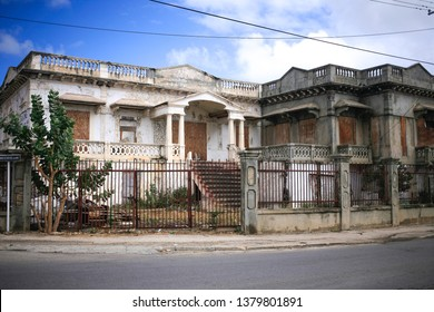 Old abandoned building at Oranjestad Aruba