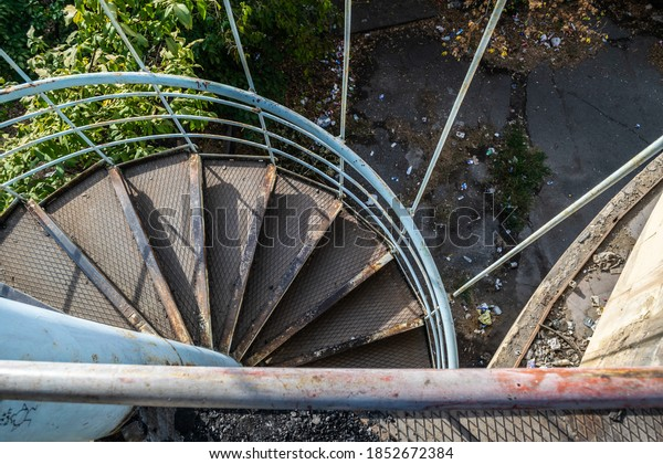 old-abandoned-cable-car-station-600w-185