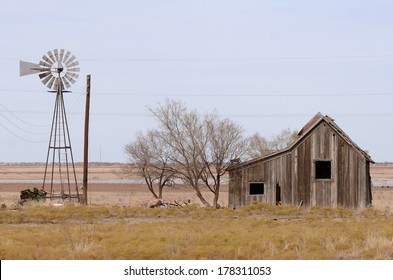 Old abandoned homestead in the grasslands of northeastern Texas