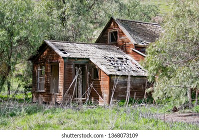 Old abandoned Homestead in ruins on a ranch