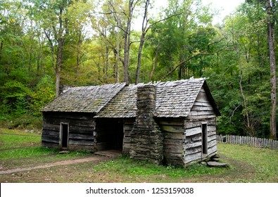 Old Abandoned Log Cabin in the Forest - Great Smoky Mountains National Park, Tennessee, USA (Autumn / Fall)