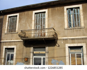 Old aging traditional town house Paphos Cyprus - Real Estate city hidden gem opportunity