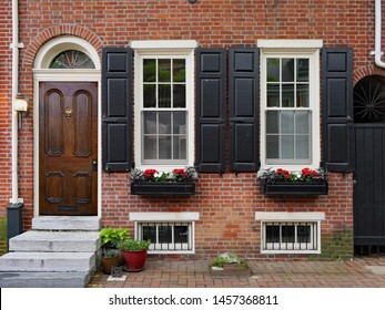 Old American colonial townhouse, Society Hill, Philadelphia