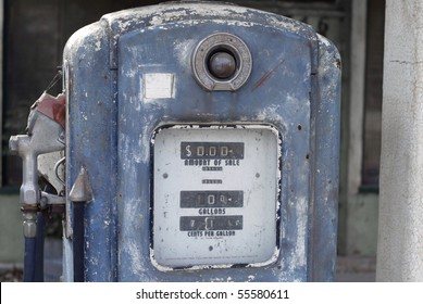 Old, American gas pump in Southern California.