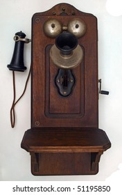 Old antique crank phone