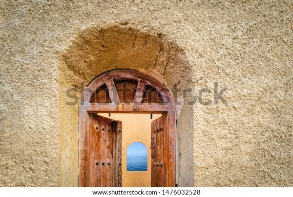 old-antique-door-watchtower-opening-600w