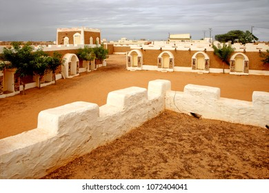 Old architecture in Ksour (fortified village) of Chinguetti, Adrar Province, Mauritania, Africa